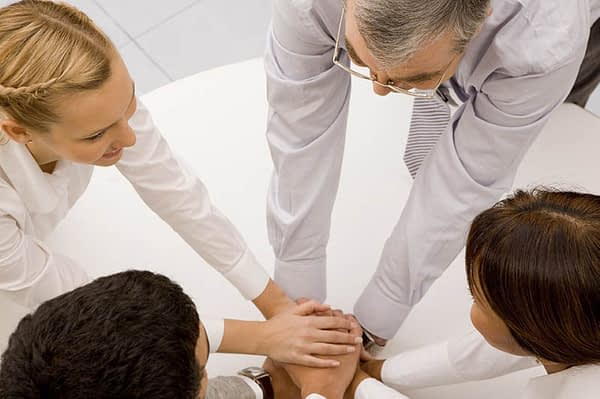 How do Alcohol Recovery Centers Help People With Their Addiction