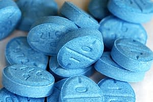 picture of blue pills doesnt tell you the difference between concerta vs adderall