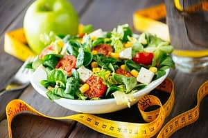 An appealing salad is part of nutrition education during detox