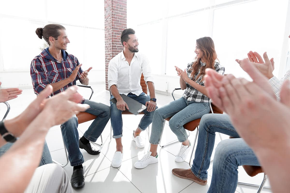 group of people at an albany alcohol rehab program