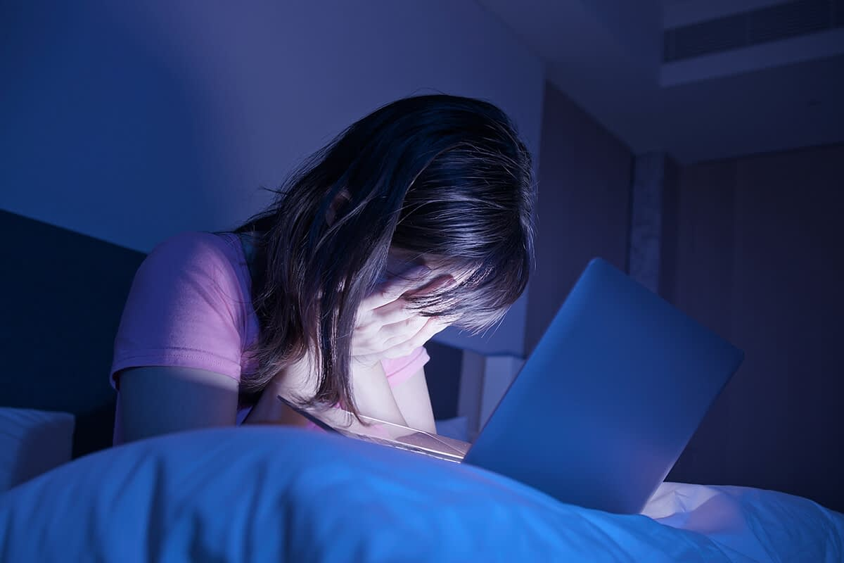 woman suffering from social media and anxiety
