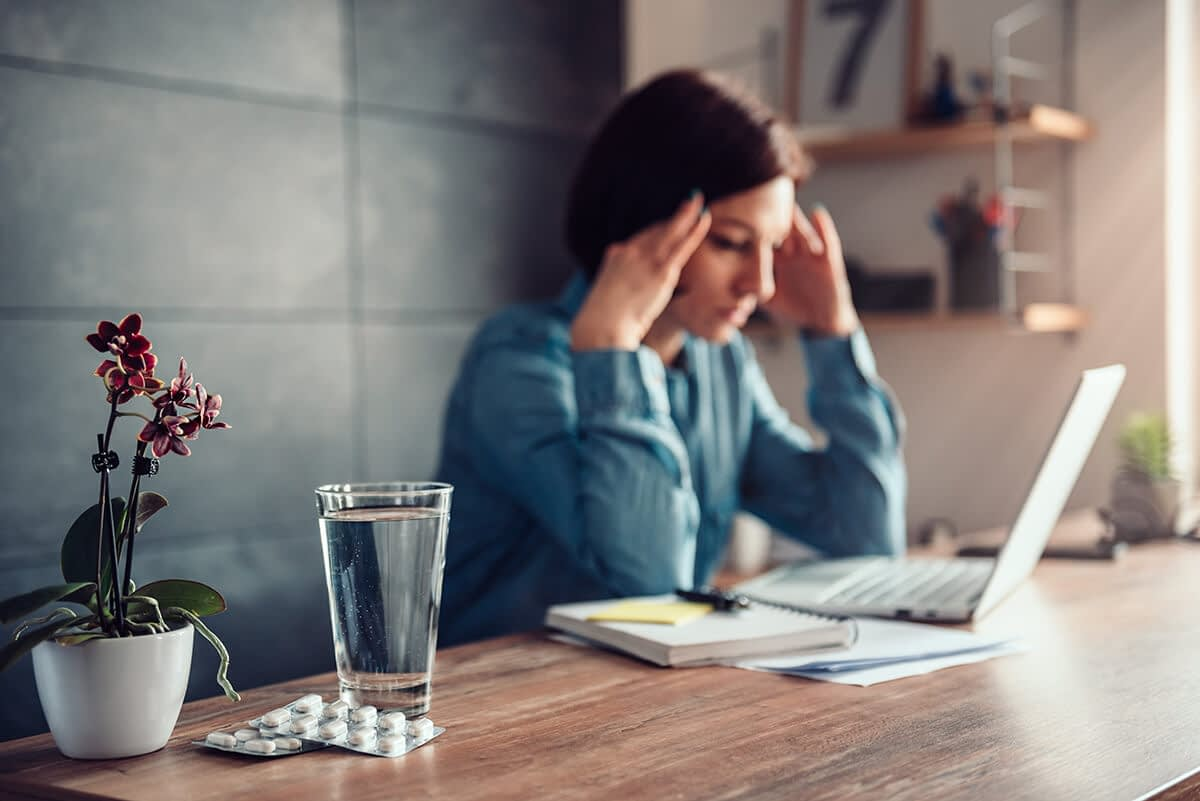 woman thinking about the opiate withdrawal timeline