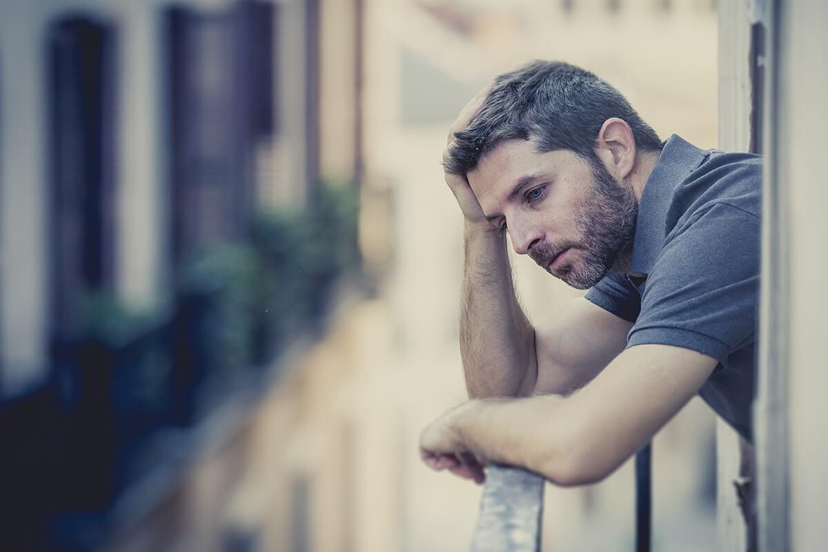 man having cocaine withdrawal symptoms