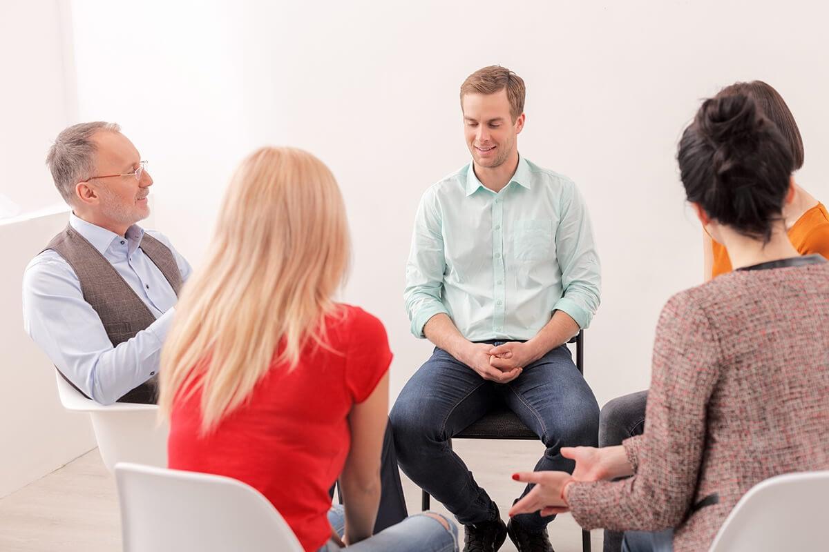 salem oregon alcohol rehab group therapy session