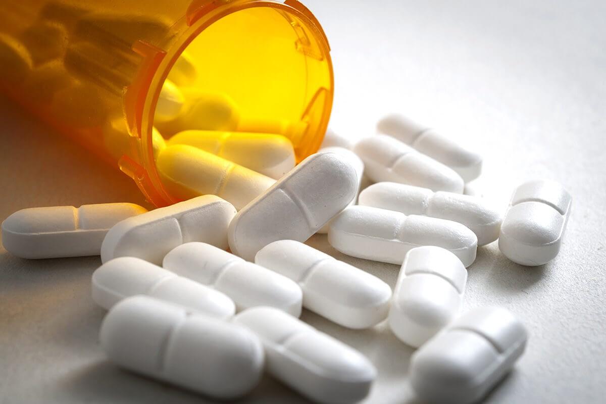 pills showing prescription painkillers addiction