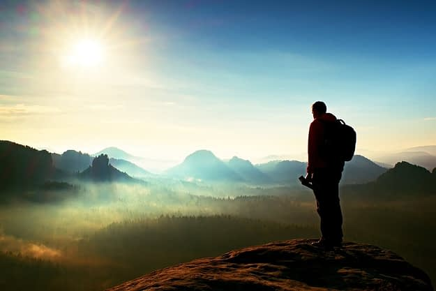 wilderness therapy programs oregon man hiking
