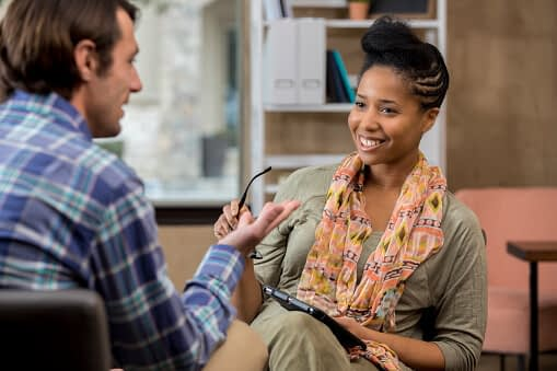patient talks to counselor in cognitive behavioral therapy